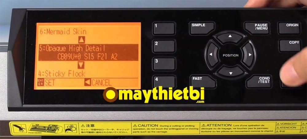 Thông số màn hình máy cắt decal Graphtec CE6000 Plus