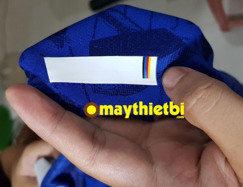 Tính năng chống nhiễm màu khi in trên áo in chuyển nhiệt nền tối