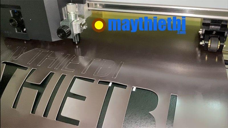 Thử nghiệm máy cắt Graphtec FC9000-75 cắt nam châm dày 0,75mm tại MayThietBi.com