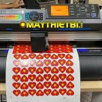 Máy cắt decal Graphtec CE7000 cắt bế tem nhãn liên tục, cực nhanh, chính xác, không kén giấy